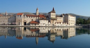stay in trogir