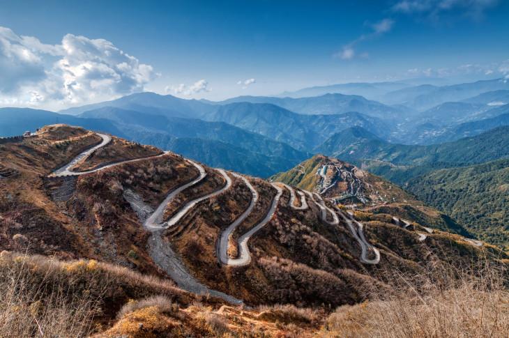 Beautiful_Curvy_roads_to_Sikkim__Image_by_Rudra_Narayan_Mitra