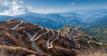 Beautiful_Curvy_roads_to_Sikkim__Image_by_Rudra_Narayan_Mitra